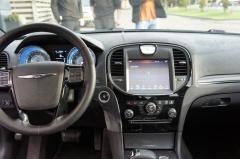Chrysler-300S AWD-10