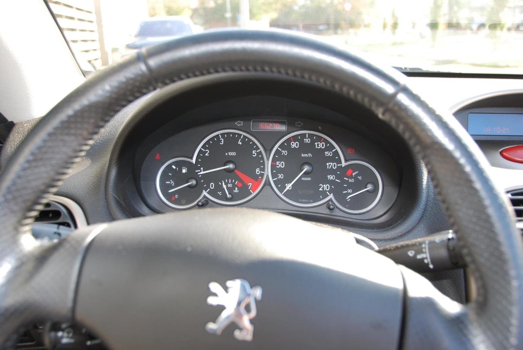 Peugeot-206-18