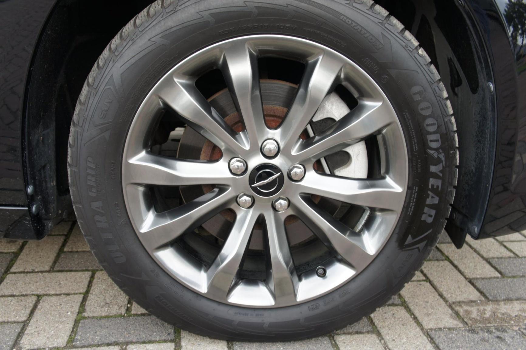 Chrysler-300S AWD-6