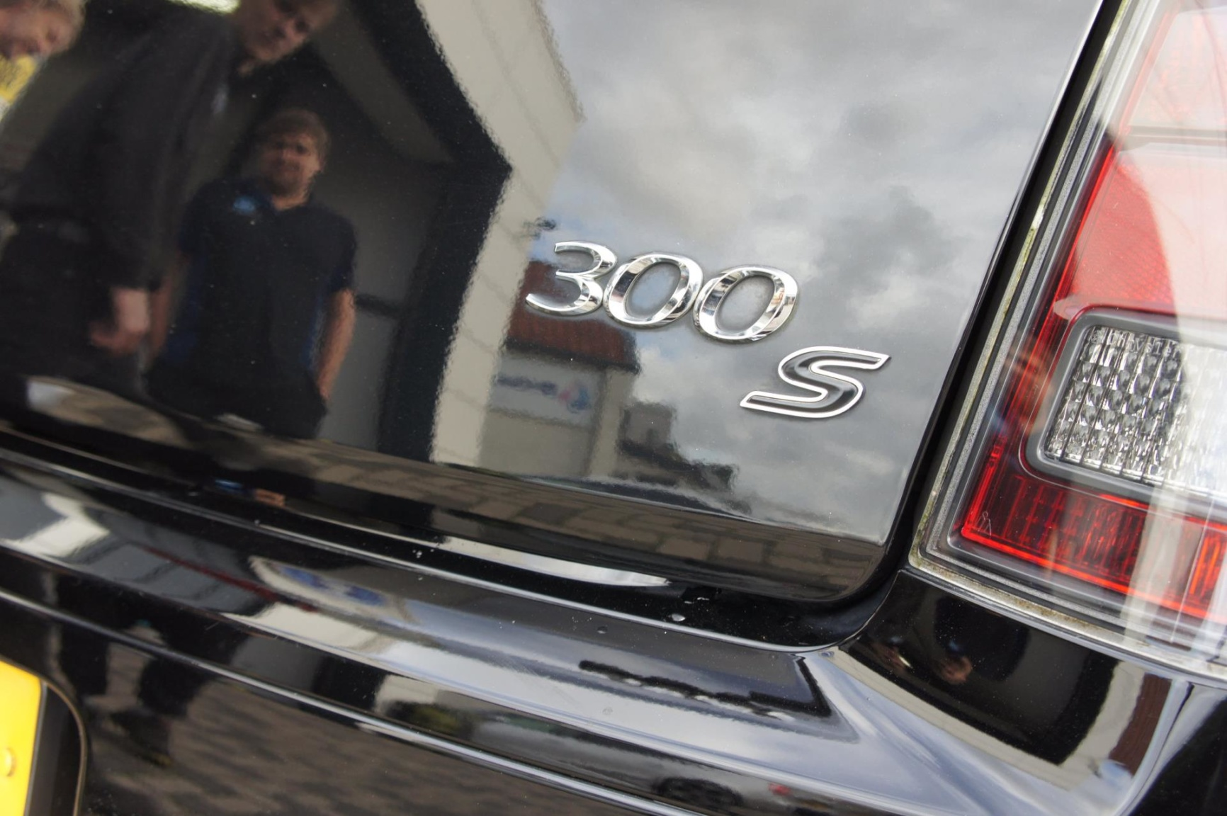 Chrysler-300S AWD-17